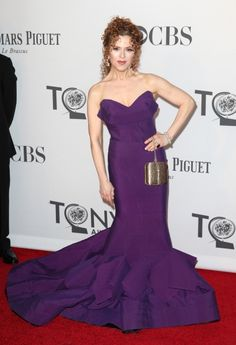 Bernadette Peters looking regal in purple at the #TonyAwards