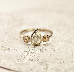 vintage ring. so out of this world pretty.