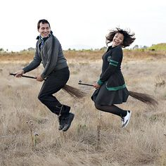 Harry Potter themed engagement photos!