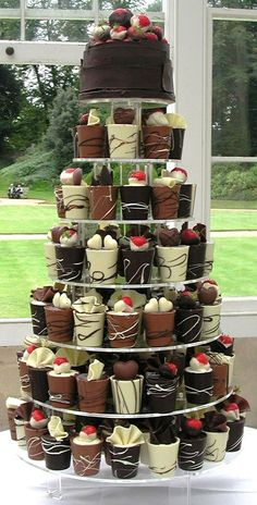 Oh that looks tasty!!!  Individual Chocolate Cakes with Hearts #weddingcakes