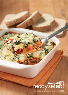 Ravioli Lasagna... A great recipe to bring to a potluck or a weeknight meal with leftovers. This lasagna features spinach, beef ravioli, tomatoes, Italian dressing and low fat cottage cheese for a delicious Italian meal. College Food, Dinner, Chef Boyardee, College Meals, Cottage Cheese, Ravioli Lasagna, Pasta, Lasagna Recipes, Weeknight Meals