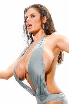 Glamour babe Wendy Fiore in Wet Glam