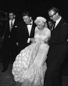 Jayne Mansfield weds Mickey Hargitay