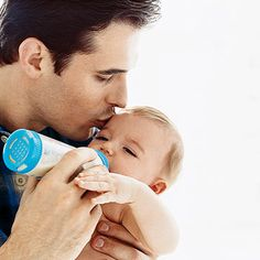 12 fun ways for dads to bond with their newborns.