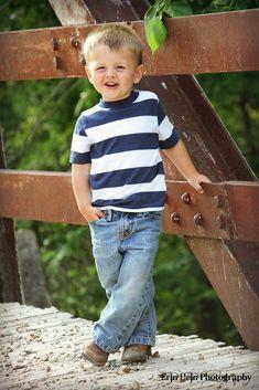 child picture pose idea - boy