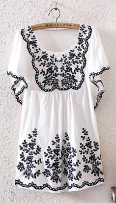 Emboridery Floral Cotton Short Sleeve Top