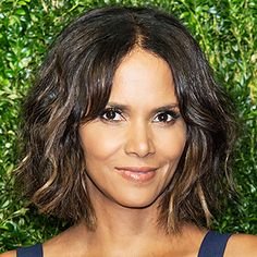 The Lob Is STILL Having a Moment—Halle Berry and Sarah Michelle Gellar Try Out the Trend!  #InStyle