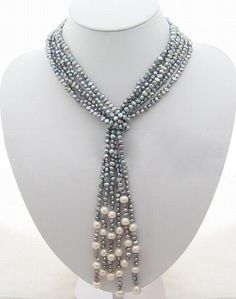 Attractive lariat style pearl necklace
