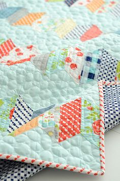<3 the colors and fabric in this quilt!