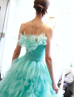 Oscar de la Renta NYFW Spring 2013 rtw designer dresses, la renta, man hair, fashion chic, aqua blue, color, spring 2013, feather, oscar de