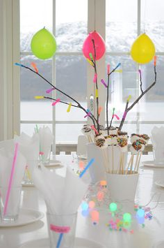 Unas ideas estupendas para una fiesta neón / Great ideas for a neon party