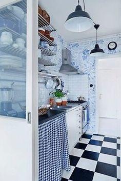 Wonderful 33 Rustic Scandinavian Kitchen Designs : 33 Rustic Scandinavian Kitchen Designs With White Black Wash Basin Table Cabinet Wooden Door Chandelier Hook Ceramic Floor