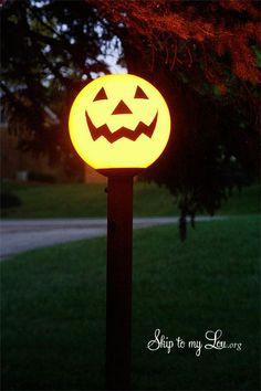 You won't believe how easy it is to turn a yard light into a festive decoration for Halloween!