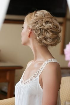 Bridal Hair - 25 Wedding Upstyles & Updo's - Pinned waves provides a fuss-free upstyle with volume. #hair #style #upstyle #updo #wedding