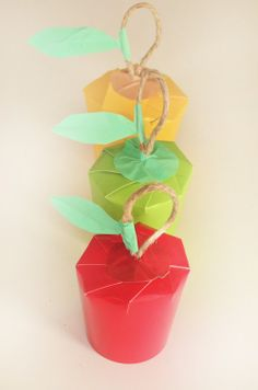 DIY Tutorial: Paper Cup Apple Gift Wrap | Willowday