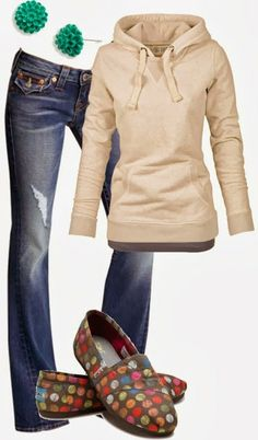 The SHOES are Fabulous! Also the comfy & really cute fitted shirt! jean, emeralds, sweater, fall fashions, cowboy boots, colour shoe, fashion blogs, fall outfits, earrings