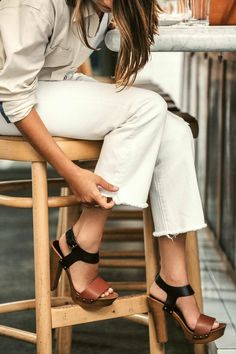 Get Kate Brien's genius trick for perfectly frayed Levi's like these