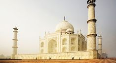 Incredible Holiday offers Delhi to Agra Jaipur golden triangle travel package at affordable prices. We cover all the sightseeing places of Delhi Agra and Jaipur.