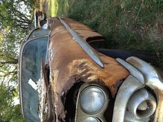 Old rusty car :]
