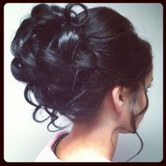 curly hair bun great for wedding hairstyles