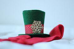 Mini Top Hat Ornament #DIY #craft #tutorial #crafts #howto #Christmas #tree #ornament #ornaments