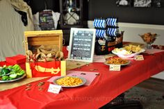 Pirate Party table -