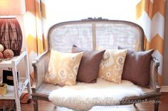 The Blissful Bee: {Antique} Settee Makeover