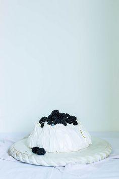 Blackberries Pavlova.