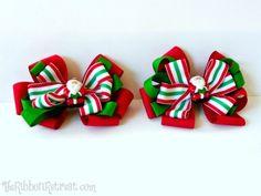 Here Comes Santa Claus Bow - {The Ribbon Retreat Blog}
