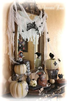 The Decorated House: ~ Happy Monday, Halloween Decorations