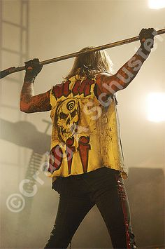 A Great #photo of #vinceneil from the #motleycrue COS Ft. Wayne IN 2005 Show.. — with Motley Crue and Vince Neil Official.