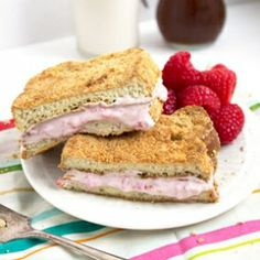 Skinnier Raspberry Cheesecake Stuffed French Toast - Crunchy, graham ...