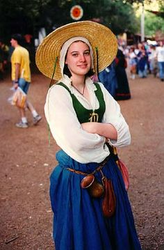 Renaissance Female Clothing- I like!