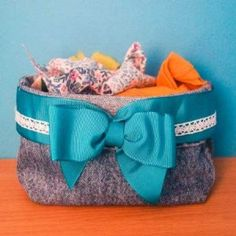 How to make a recycled denim storage container