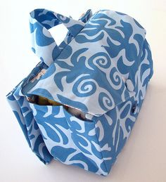 Tutorial for fabulous expanding nappy bag with changing mat.  Brilliant!