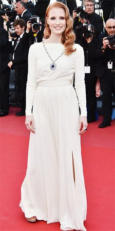 Jessica Chastain in white Versace and Elizabeth Taylor Bulgari jewellery in Cannes 2013