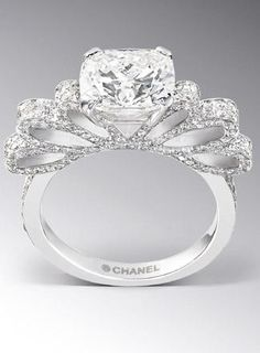New and Old Glamour: Chanel Engagement Ring...  oh chanel,  so pretty