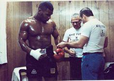 dempseyii:  Tyson getting ready for Berbick
