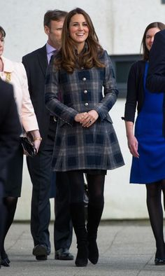 Plaid Coat Kate during the first day of the Scotland trip to the Emirates Arena. Kate wore a blue plaid trench coat with a matching ring    #KateMiddleton #DuchesCatherine