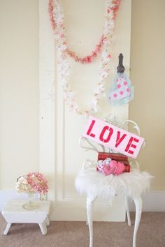 Shabby chic valentine's day decor