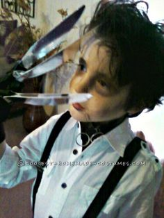 Cool Edward Scissorhands Costume Stole the Show... Coolest Halloween Costume Contest