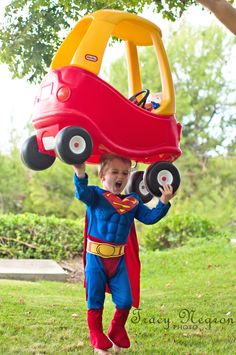 funny superman costume halloween pic