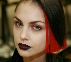 gorgeous grown up goth