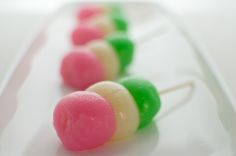 Tricolor dango for girls' day. The pink symbolizes the sakura flower, the white represents snow, and the green represents branches and growth.