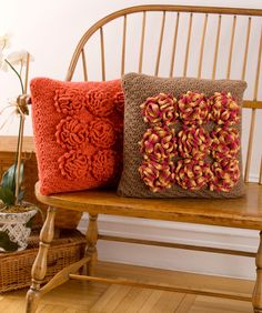 Dahlia Pillows-free Red Heart pattern