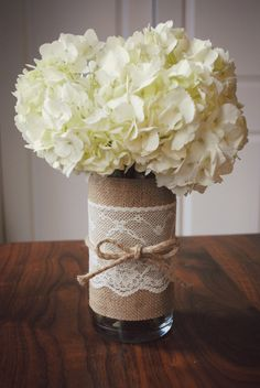 DIY hostess gift: lace and jute vase