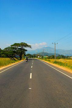 Road, Sri Lanka (www.secretlanka.com)