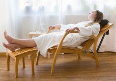 Grasshopper relax chair / recliner / liege by László Szikszai, via Behance