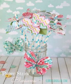 Pretty paper straw Flower Blossoms.   {ribbonsandglue.com}