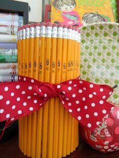 the vintage umbrella: Back to school pencil vase